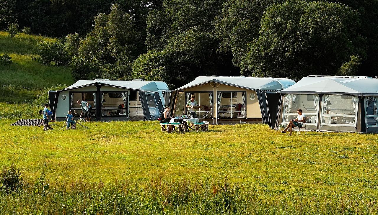 Savourez les plaisirs de l'eau dans un camping 2 étoiles avec parc aquatique près du Bassin d'Arcachon